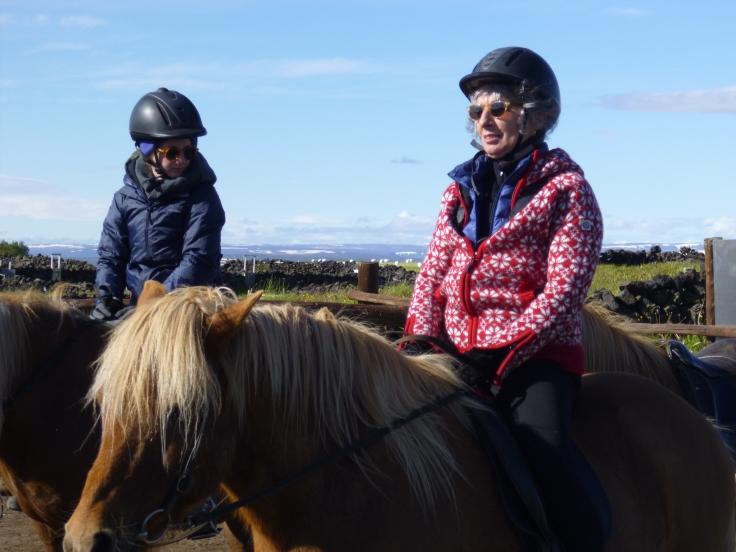 A cheval près de Mÿvatn